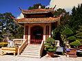 BUDDIST TEMPLE DA LAT VIETNAM JAN 2012 (7010701723).jpg