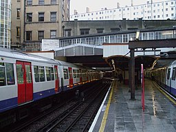 Baker Street stn platform 2 look south
