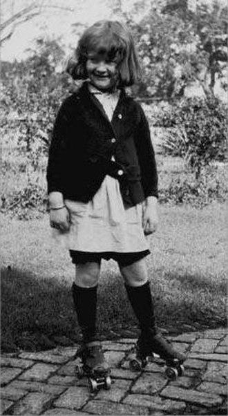Roller skates - Girl on roller skates, 1921