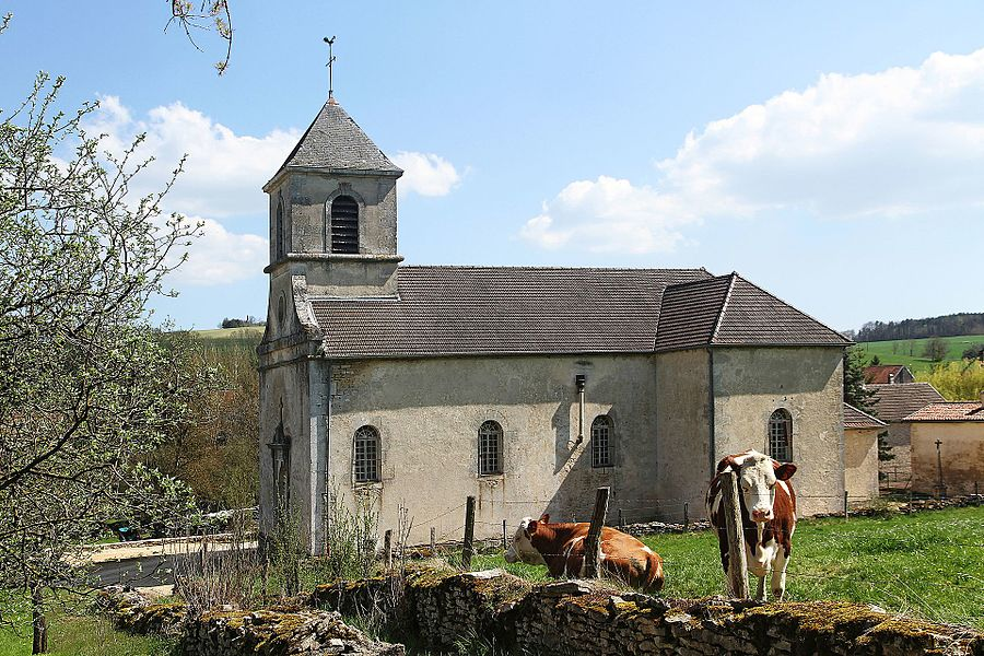 Église de la Nativité à Beneuvre