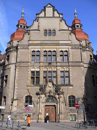 Neukölln - Image: Berlin neukoelln county court 20050228 p 1010186