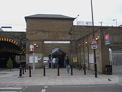 Bethnal Green railway stn entrance.JPG