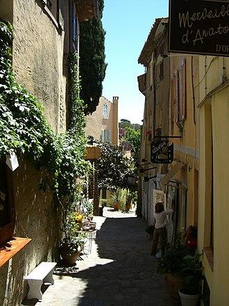 Bormes-les-Mimosas - Street in Bormes-les-Mimosas