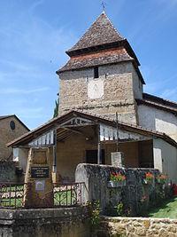 Bougue (Landes), église et balise Compostelle.JPG