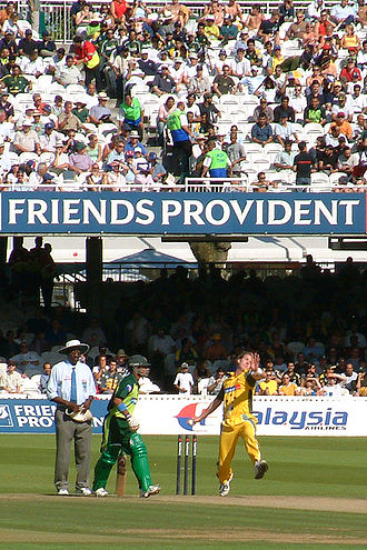 Brett Lee - Lee bowling against Pakistan at Lord's, 2004-09-04