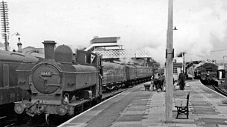 Bridgend railway station - View from the far east end of Platform 2, looking west in 1962