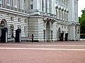 Buckingham Palace (7976962489).jpg
