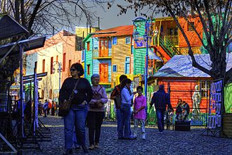 Caminito - Brightly painted houses and local artists selling their work
