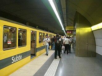 Once - 30 de Diciembre (Buenos Aires Underground) - Image: Buenos Aires Subte Once 1