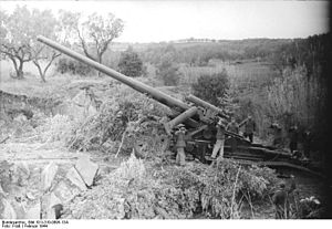 17 cm Kanone 18 - 17 cm Kanone 18 in action in Italy