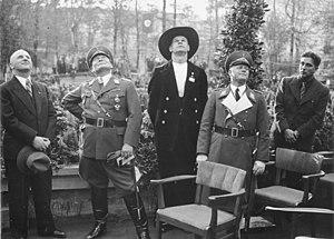 Ernst Sagebiel - Ernst Sagebiel, Göring, Erhard Milch,  (1935)