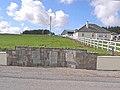 Bungalow and memorial at Gorthlettilaun - geograph.org.uk - 1853862.jpg