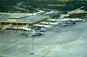 Cancún International Airport - Image: CU Nterminal 3
