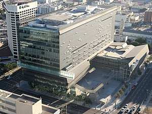 California Department of Transportation - District 7 Headquarters, Los Angeles, birds-eye view (designed by Thom Mayne (2004))