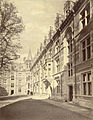Cambridge. Gonville and Caius College, First Court (or Tree Court) (3611497442).jpg
