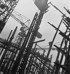 Cecil Beaton Photographs- Tyneside Shipyards, 1943 DB39.jpg
