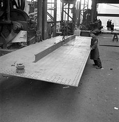 Cecil Beaton Photographs- Tyneside Shipyards, 1943 DB97.jpg