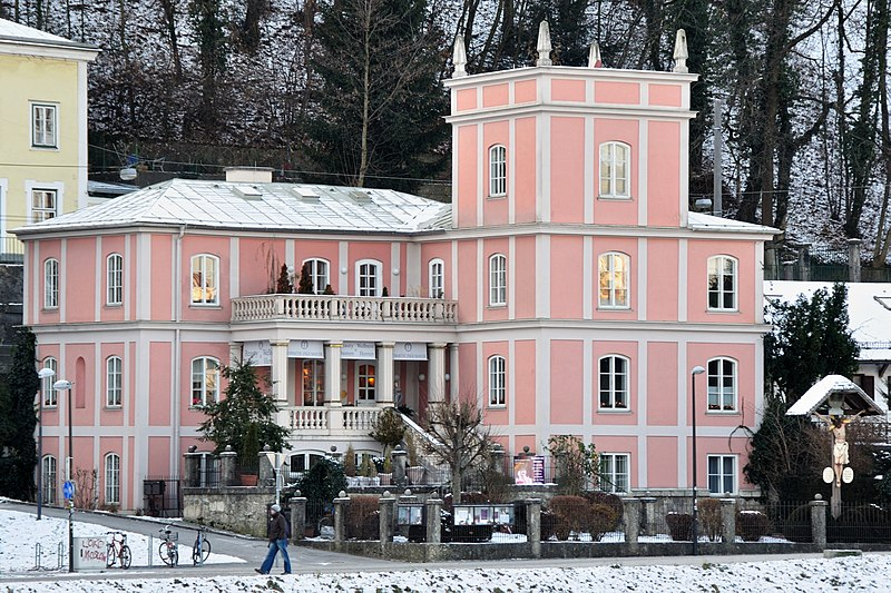 File:Ceconi-Villa Müllner Hauptstraße - Salzburg.jpg