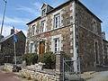 Champrepus - Mairie.JPG