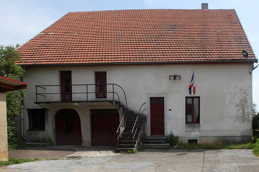Mairie de Chassagne-Saint-Denis (Doubs).