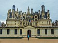 Chateau Chambord - Loire Valley France (37630308460).jpg