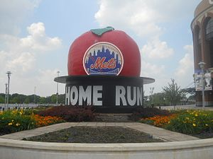 Home Run Apple - The original Apple outside Citi Field