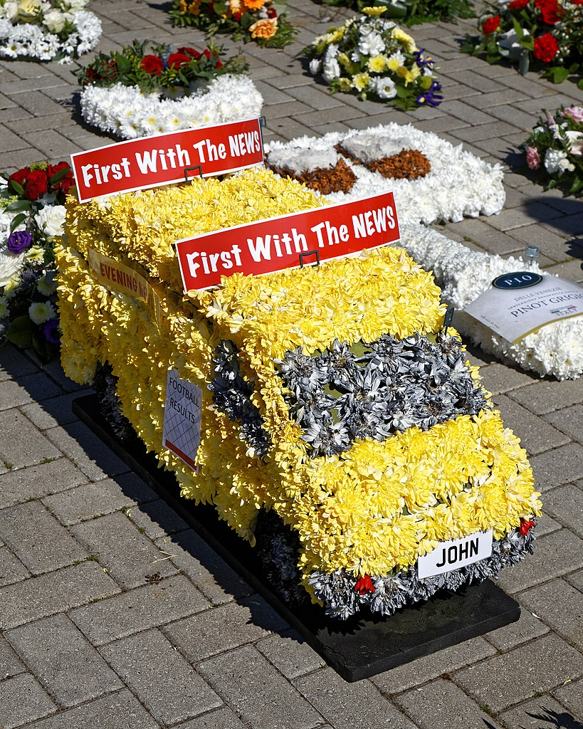Filecity of london cemetery and crematorium floral tribute filecity of london cemetery and crematorium floral tribute yellow vang izmirmasajfo
