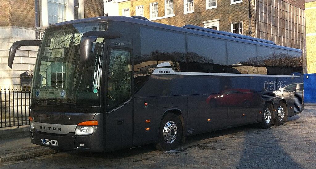 File:Clarkes of London coach (BF58 UEV) 2009 Setra S 416 ...