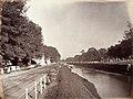 Collectie NMvWereldculturen, TM-60004978, Foto, 'De Molenvliet op de grens van Rijswijk en Noordwijk te Batavia', fotograaf toegeschreven aan Woodbury & Page, 1857-1872.jpg