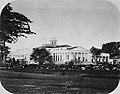 Collectie NMvWereldculturen, TM-60025091, Foto- Het paleis van de gouverneur-generaal in Buitenzorg, Woodbury & Page, 1857-1872.jpg