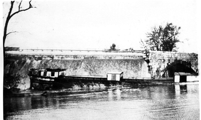 Conococheague Aqueduct Damage and Boat on Chesapeake and Ohio canal.jpg