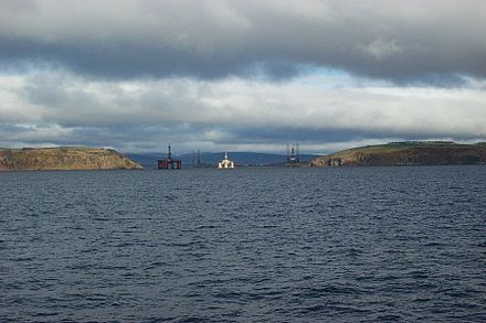 Entrance to the Cromarty Firth, with oil rigs behind