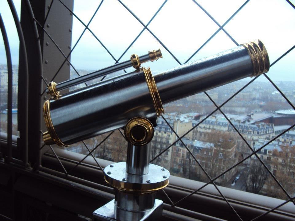 Dalekohled na Eiffelově věži