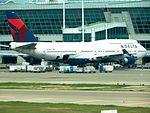 Delta 747-400 N670US at ICN (28449004165).jpg