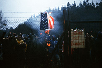 Intermediate-Range Nuclear Forces Treaty - Demonstrators protest planned deployments of US missiles, 1982