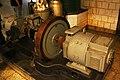 Dentro de la Batería B-8 del Monte San Pedro - Generador en la sala de motores (43168540065).jpg