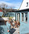 Driftwood Cottage Courtyard, 157 Findhorn - panoramio.jpg