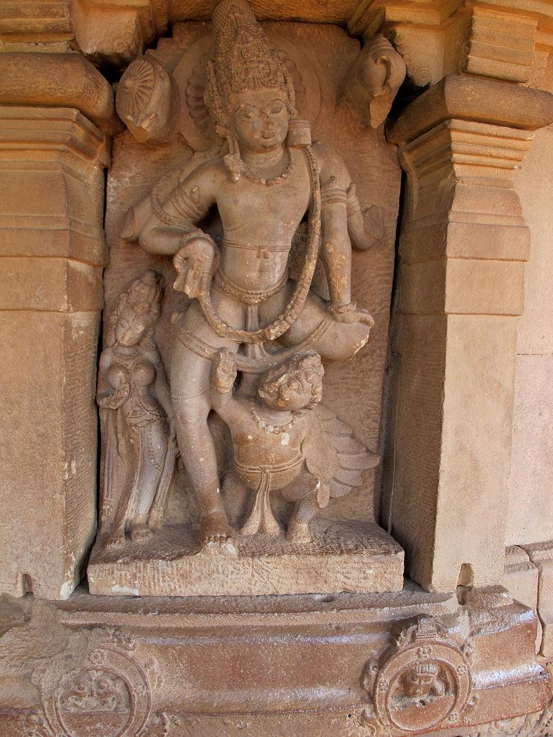 Durga Temple Aihole. Vishnu.jpg