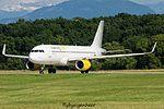EC-LVU A320-214 A320-S - VLG (27976657040).jpg