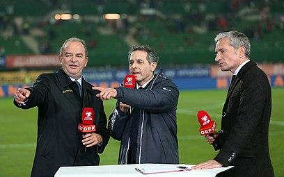 EM-Qualifikationsspiel Österreich-Russland 2014-11-15 099 Herbert Prohaska Marcel Koller Rainer Pariasek.jpg