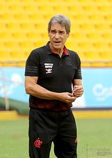 Paulo César Carpegiani Brazilian footballer and manager