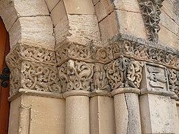 Eglise StMartin Gensac detail portail