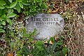 Eike Geisel - Friedhof Stubenrauchstraße - Mutter Erde fec.JPG