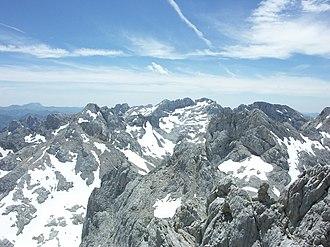 Urrieles Massif - The Llambrión area.