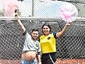 El primer ecuatoriano en preñarse de su mujer Diane Rodriguez celebran The first Ecuadorian to become pregnant with his wife Diane Rodriguez celebrate HD.jpg
