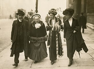 Louisa Garrett Anderson - Elizabeth Garrett Anderson and Louisa Garrett Anderson, Alfred Caldecott and another in 1910 on the day they went to see the Prime Minister