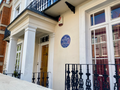 English Heritage blue plaque at Jim Henson's former home (wide).png