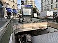 Entrée Station Métro Poissonnière Paris 3.jpg