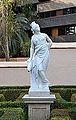 Estàtua que representa a Europa, jardí de Montfort de València.JPG