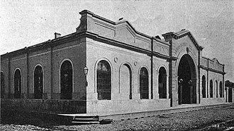 Del Parque railway station - Image: Estación Parque Ferrocarril del Oeste (fachada Cerrito)